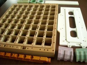 半導体の検査装置や食品工場で使われる機器など多様な場面で当社の製品が活かされています。