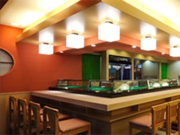 歌舞伎町と西新宿に店舗展開中。今後も拡大していく予定です。