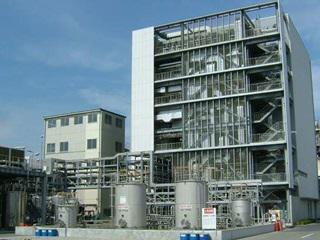 電子材料プラント。日本のハイテク産業を支えています。