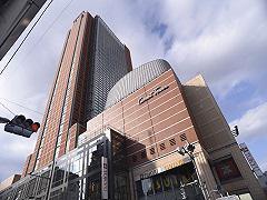 本社は三軒茶屋駅より徒歩5分のキャロットタワー15F