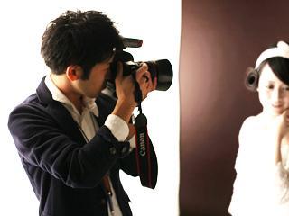 動画では表現する事ができない世界が、写真にはあります。