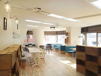 カフェスペースは、社員の憩いの場です。