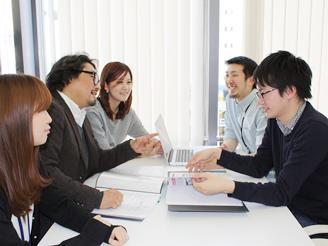 本部長も含めて会議。いろいろ意見が言える環境です。