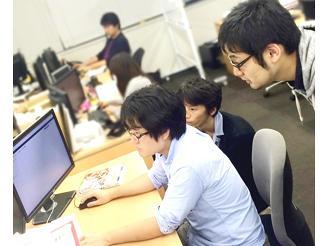ペアプロやチーム開発を生かして開発を進めています。