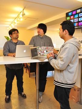 写真左がCTO・藤川。業界の有名人ですが気さくで話しやすい上司です。