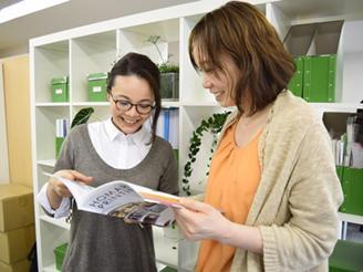 女性社員も活躍している環境です!わからな いことも、先輩が丁寧にサポートします。