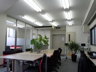 明るくキレイなオフィスです