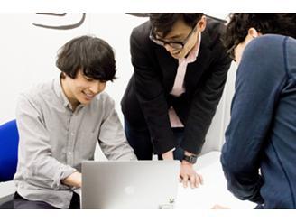 20代後半〜30代の社員がメインに活躍中。連携しやすい環境です。