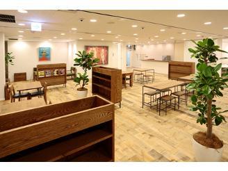 ミーティングスペースには、メンバーの こだわりが詰まった癒しの空間です。