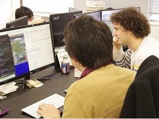 経験豊富なエンジニアメンバーが指導致します。