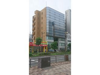 JR「新大阪」、阪急「南方」、地下鉄「西 中島南方」駅と、通勤便利な立地です。