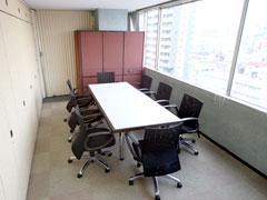 数々の企画や商品を生み出してきたメイン 会議室。あなたの閃きもココで生まれる!?