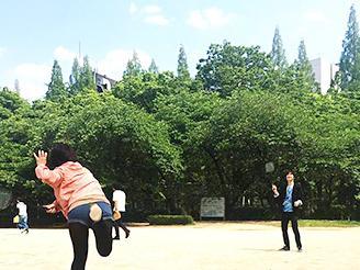 大阪事務所はうつぼ公園のスグ横!昼休憩は公園でリフレッシュ。