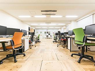 【社内】解放感のあるゆったりとしたオフィス
