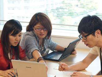 チームメンバー同士で情報共有を行い、 次回キャンペーン施策の改善へ繋げます。