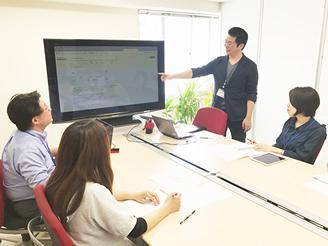 社内セミナーは活発に行われています。個人のスキルアップがチームの成長に。