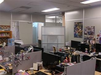 社内の雰囲気。仕事のものか趣味のものか??