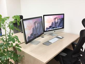ペーパーレス化でスッキリとした作業環境。当社では、日々作業効率を高めています。