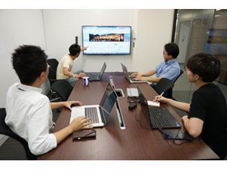 チームは少数精鋭。メンバー全員で企画を練り上げ、開発していきます。