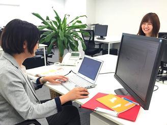 最新のマシンとデュアルディスプレイ環境コーディング業務に最適な環境を整備