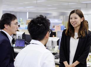 女性エンジニアも活躍する当社。結婚や出産を経て、職場復帰する社員も大勢います。