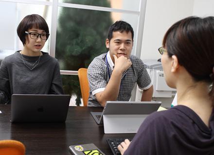 本社には、自社アカデミーが併設されている。継続的なスキルアップを会社が応援してもらえるのは心強い。