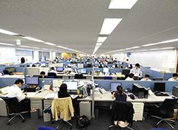 社歴の長い短いに関わらず、社員は裁量を持ち、積極的に意見も言い合える風土です。
