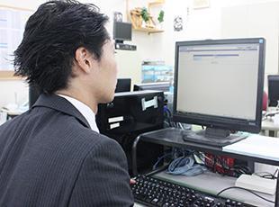 事務所では、見積もりや引越しプランのデータ化といった事務作業を行います。これも大切な仕事です!