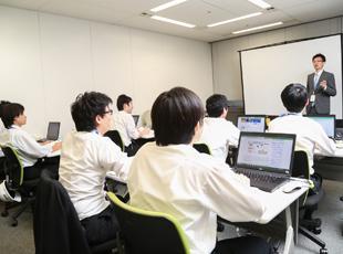 東京・名古屋社屋の中に設立した研修センターは、施設・カリキュラム共に充実!