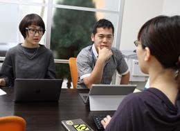 社員同士のコミュニケーションも活発です!相談できる、協力できる、切磋琢磨できる仲間が揃っていますよ♪