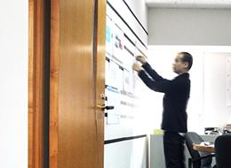 いわゆる大手企業との直接取引き案件が多いという現状も、ディレクションスキルを磨くのに向いています。