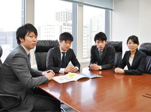 """1年間の教育プログラム""""コンサルタントアカデミー""""ではコンサルティングの基礎を学ぶ。"""