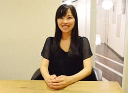 メンバー同士の距離が近く、経験が浅い方でも安心して働ける職場です。 (入社3年目 moeko)