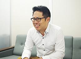「この会社に来て、知識が増えたのを実感しています」(ブランド部 課長/成澤)