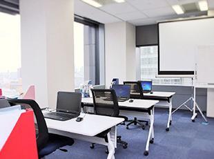 新宿本社に2つの研修室を作りました。エンジニアのスキル支援を会社全体でバックアップ!