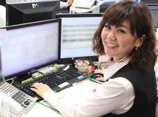 女性スタッフも活躍中!お客様に最高のサービスを提供できるよう、社員一丸となって頑張っています。
