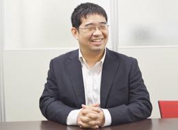 宍倉/32歳/入社3年目/前職はアプリケーション・システム開発に従事