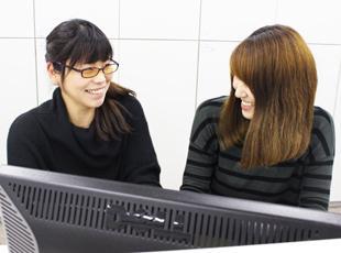 20~40代の幅広い年代のエンジニアが活躍中!女性の産育休取得実績もあるなど、働きやすい環境も魅力です。