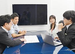 オフィスは、それぞれが仕事に集中できる環境を整備しています。