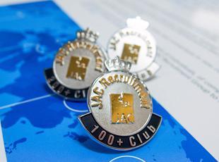 「100+club」100名の転職を成功に導いたコンサルタントを表彰する制度