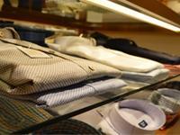 素材にこだわったシャツを低価格で販売しています。お客様は一流のビジネスパーソンばかり。
