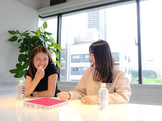 女性社員がほとんどのため社内の雰囲気はいつも華やかです♪