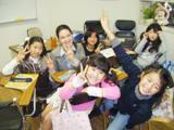 幅広い年齢層の生徒さんが集まる教室は、常に活気に満ち溢れています。