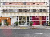 倉庫を改装し、オシャレにリフォームした東京本部。