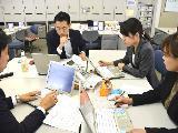 チームワークを重視している当社。日々の勉強会で、常にお互いのノウハウを共有しています。
