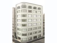 自社ビルの本社は下町風情あふれる「浅草」にあります。